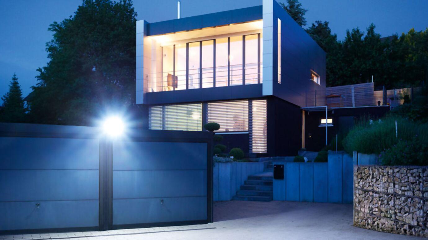 leuchten-und-strahler-xled-home-2-garage_1.jpg