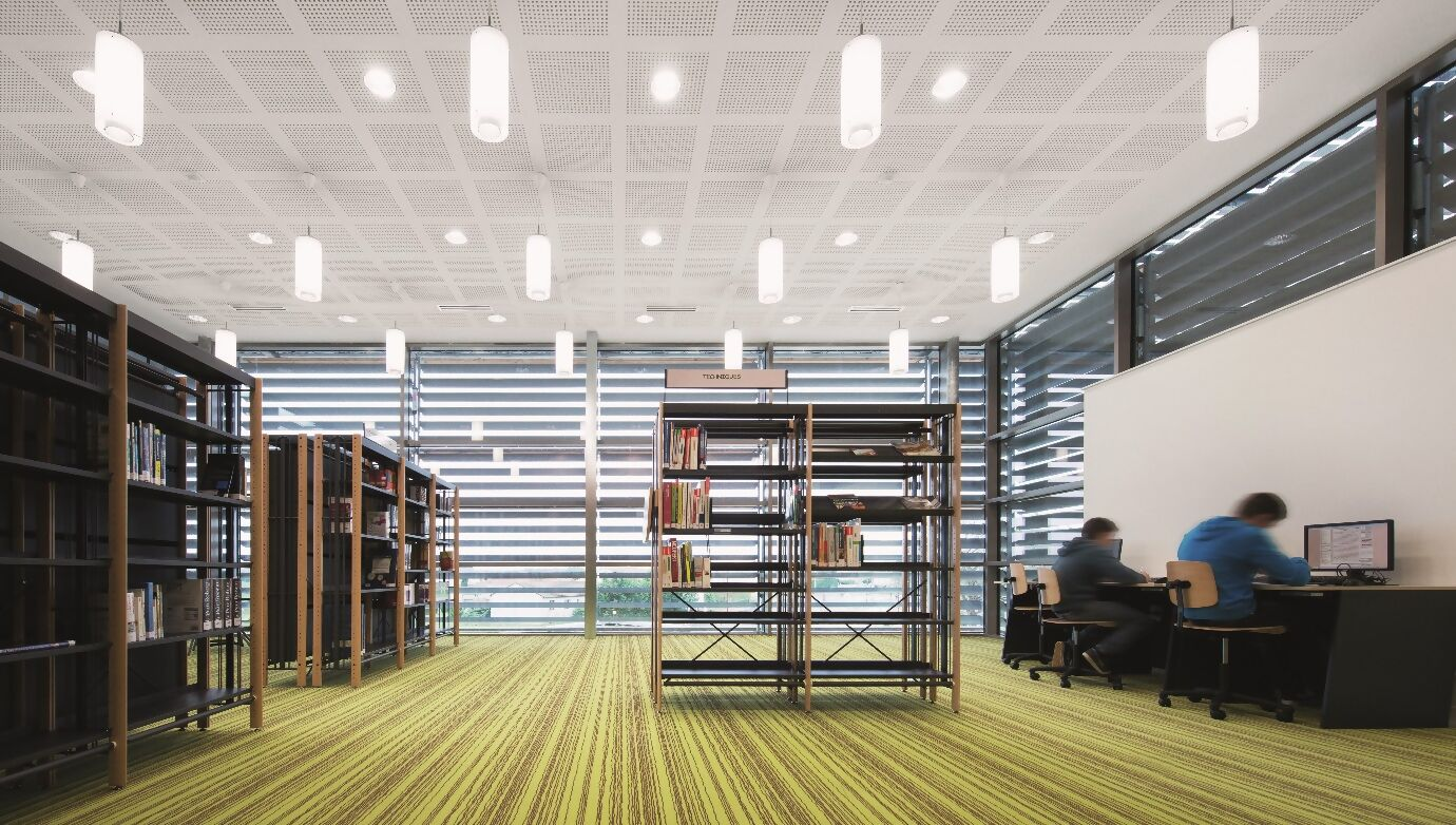 schulgebaeude-frankreich-bibliothek.jpg