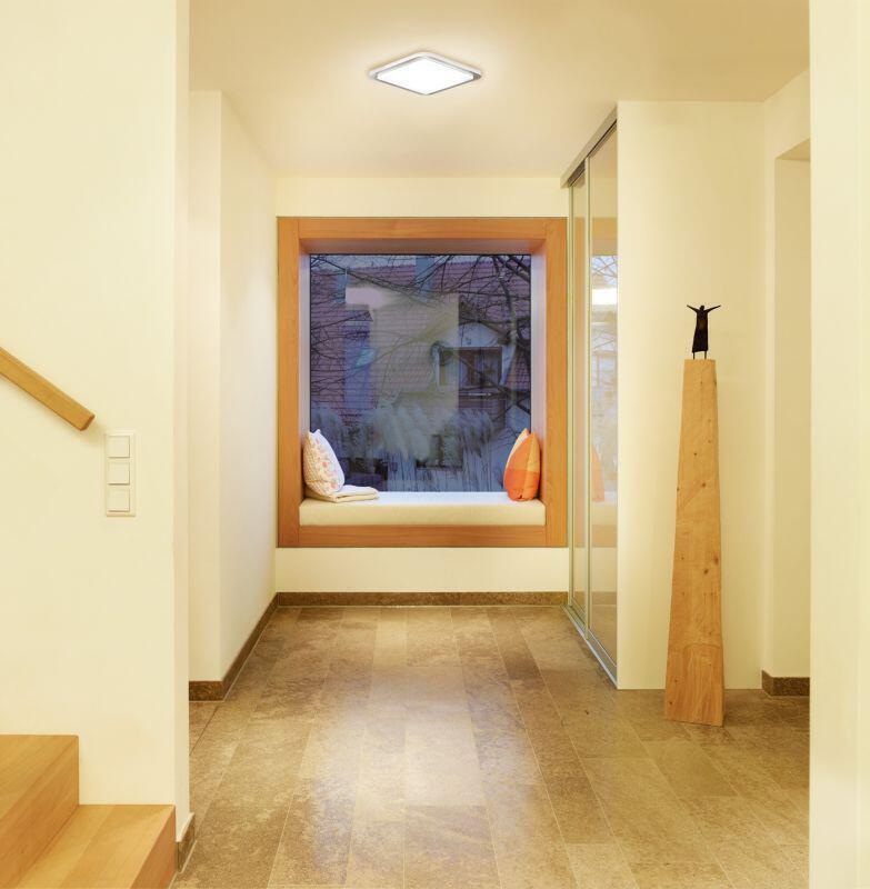 Beleuchteter Flur mit RS LED D2